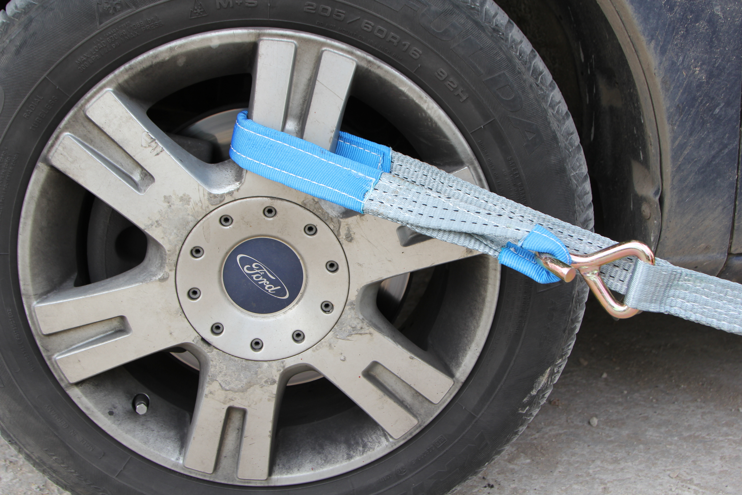 Ремень для крепления автомобиля